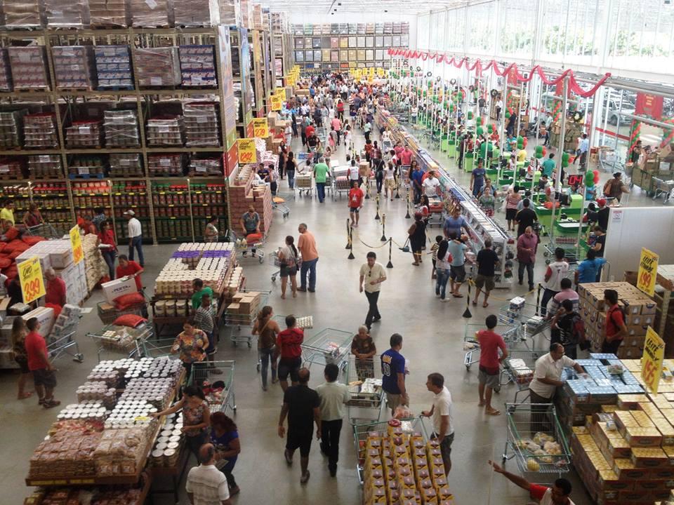Varejo abre mais de 2 mil lojas adaptadas à nova realidade de consumo do país